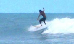 גלישת גלים בסרי לנקה